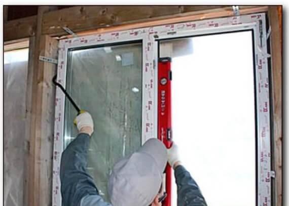Установка пластикового окна своими руками в каркасном доме