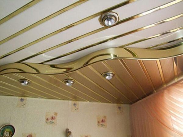 дизайнерский алюминиевый потолок в спальне