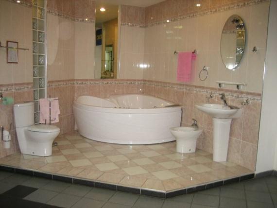Совмещенная ванная комната с туалетом