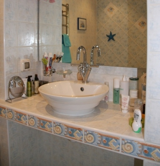 Пример готовой столешницы в ванной