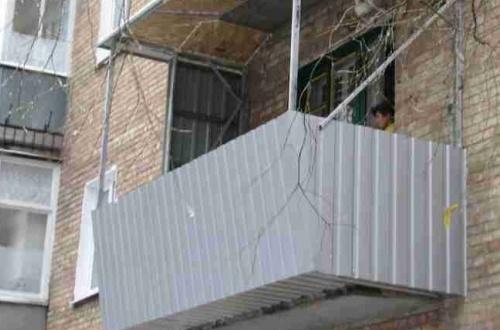 Обшиваем балкон профнастилом своими руками
