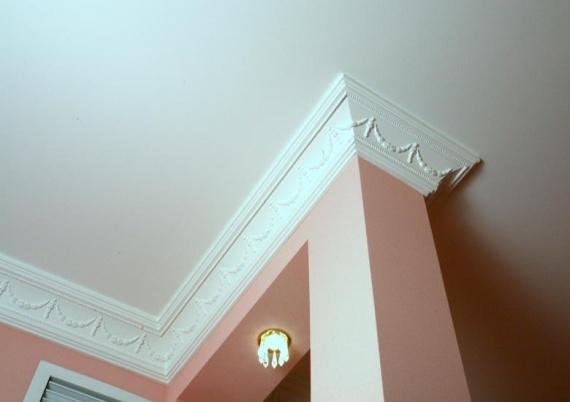 Пенопластовый потолочный плинтус