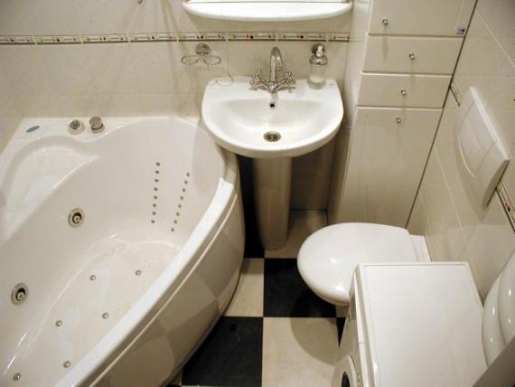 В ванной комнате - только необходимое
