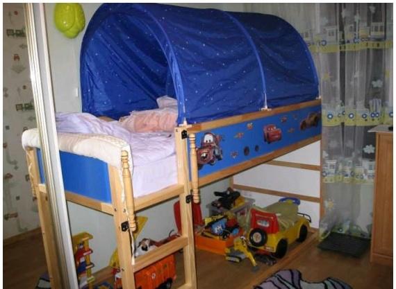 Оформление кровати для мальчика в стиле мультика Тачки