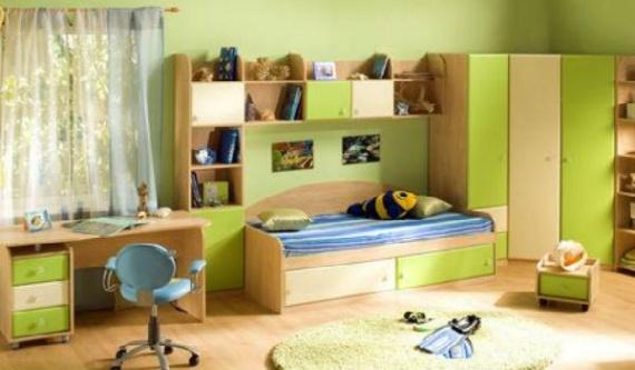 Компактно размещенная мебель для одного ребенка