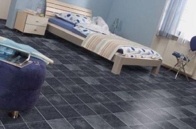 Ламинат под камень в спальне