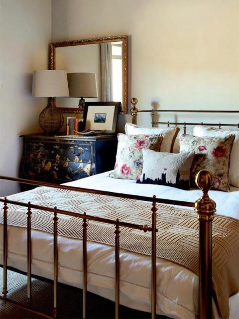 Стильная металлическая кровать