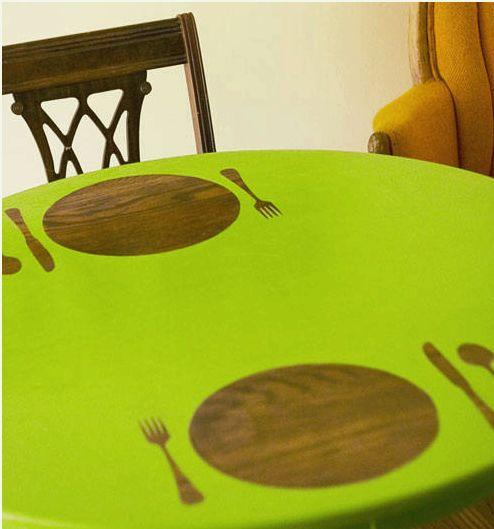 Готовый окрашенный стол